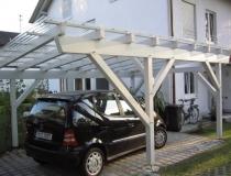 Carport gehobelte Ware, lichtgrau lasiert, mit Acryldach, traditionell gebaut, alles gezapft mit Holznägeln verbunden