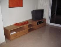 Lowboard, schräg zugeschnitten, in Rotbuche für Hifi und Fernsehen mit Schubladenvollauszug
