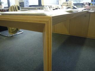 Tische thomas beier for Buche schreibtischplatte