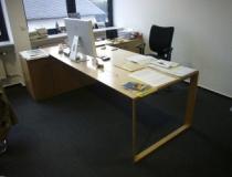 Schreibtischanlage in Buche Multiplexholz, lackiert